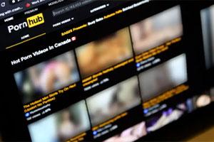 Pornhub claims 130 million visitors every day.  Source: Radio-Canada